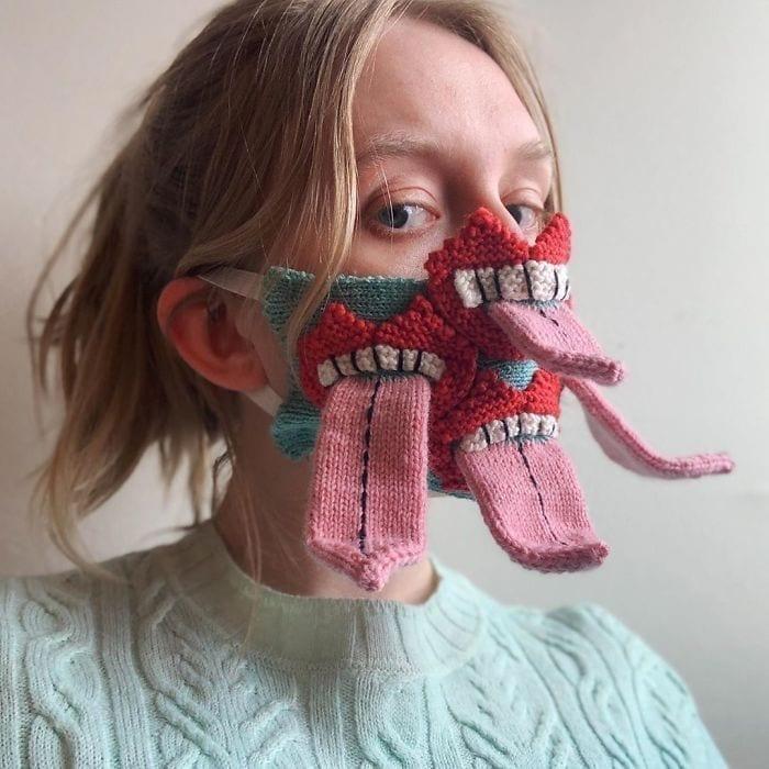 в'язані маски