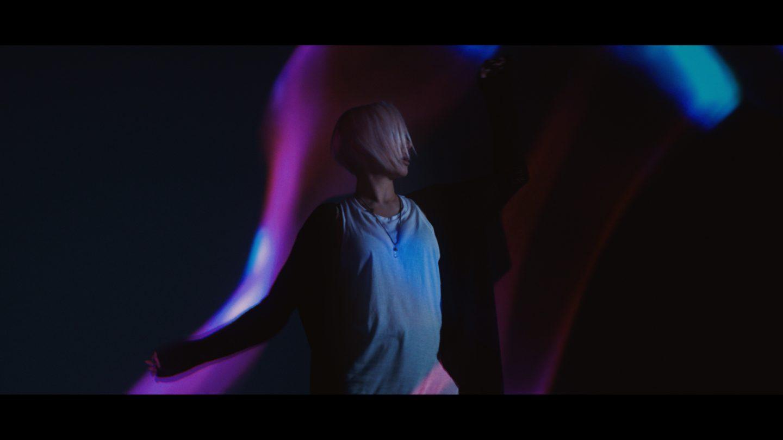 музичний кліп для американського музиканта BT за участі австралійської співачки Emma Hewitt