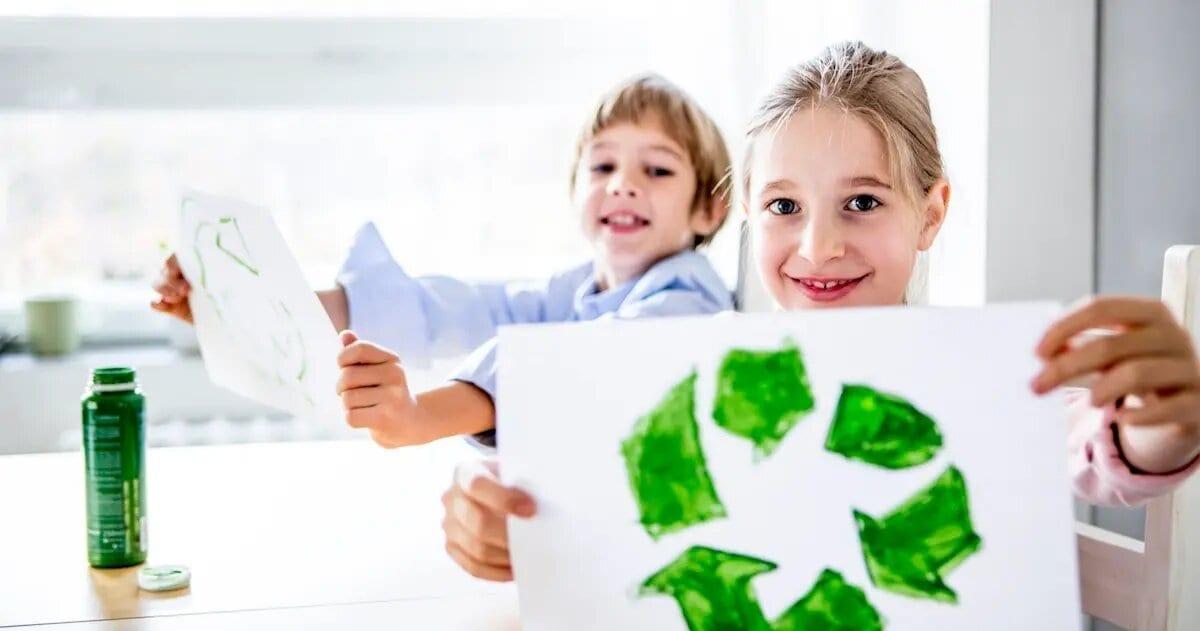 Знак recycling. Незвичайна історія трьох стрілок